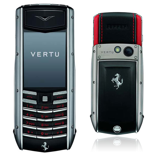 vertu ascent ti ferrari un mobile encore plus luxueux geek hype. Black Bedroom Furniture Sets. Home Design Ideas