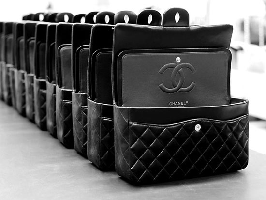 Image chanelsegwayx2bag   Chanel Segway : Dplacez vous comme Karl