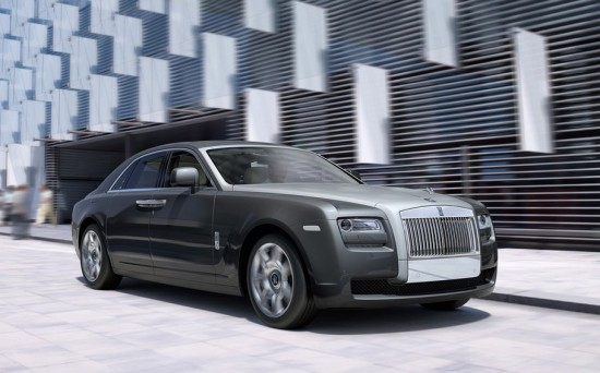 Image rolls royce ghost 1 550x342   Rolls Royce Ghost on iPhone