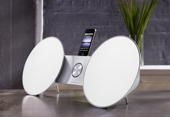 Image bang olufsen beosound 8 iphone 550x379   Bang & Olufsen BeoSound 8