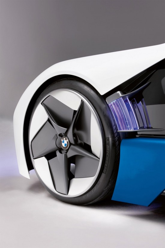 Image bmw vision 9 550x825   BMW Vision EfficientDynamics