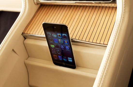 Image bentley mulsanne ipod touch 550x362   Bentley Mulsanne Executive Interior