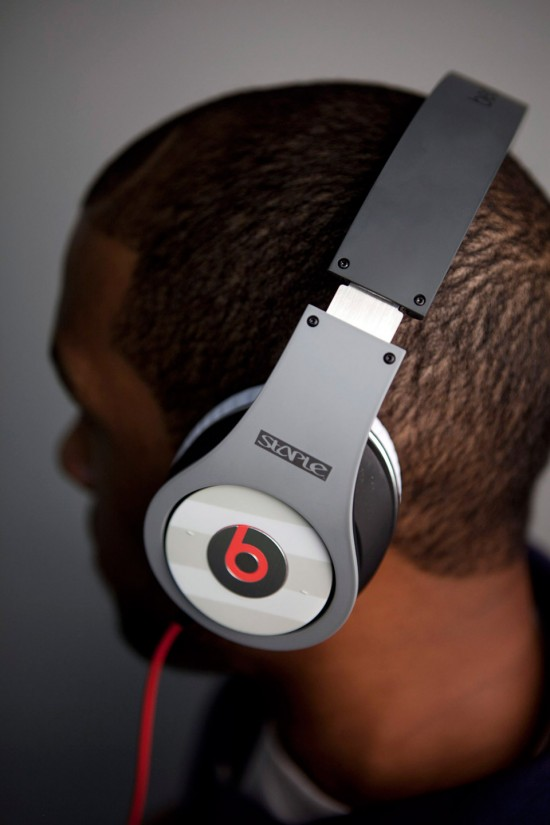 Image pigeon beats 2 550x825   Staple Design x Beats By Dre